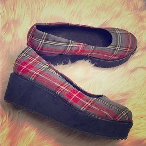 C. Label 90s Look Plaid Platform Shoes Womens 7.5